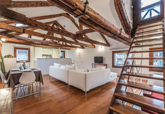 Apartment in Venezia - Ca' Malvasia with Venetian Roof Terrace